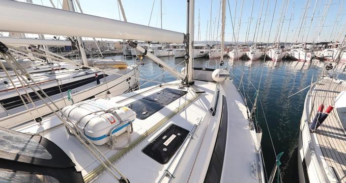 Alquiler de yate Biograd na Moru - Bavaria Cruiser 37 en SamBoat