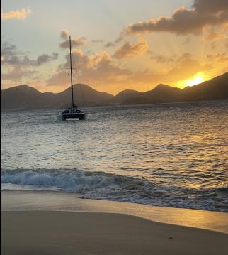 Alquiler de barcos Le Marin barato de catamaran