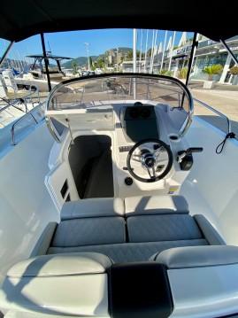 Alquiler de barcos Karnic 2251 enMandelieu-la-Napoule en Samboat