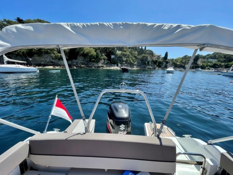 Alquiler de barcos Jeanneau Cap Camarat 7.5 WA Serie 2 enMónaco en Samboat