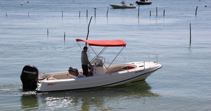 Alquiler Lancha Boston Whaler con título de navegación