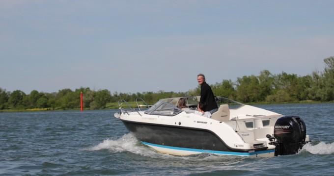 Alquiler de barcos Quicksilver Activ 645 Cabin enMâcon en Samboat