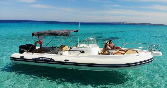 Alquiler de barcos Isla de Ibiza barato de Tempest 900