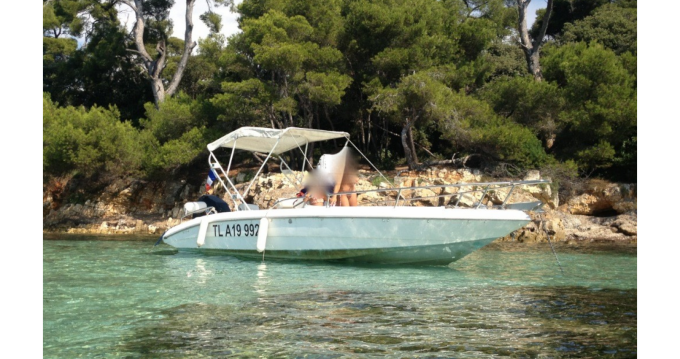 Alquiler de barcos Agay barato de Sharck