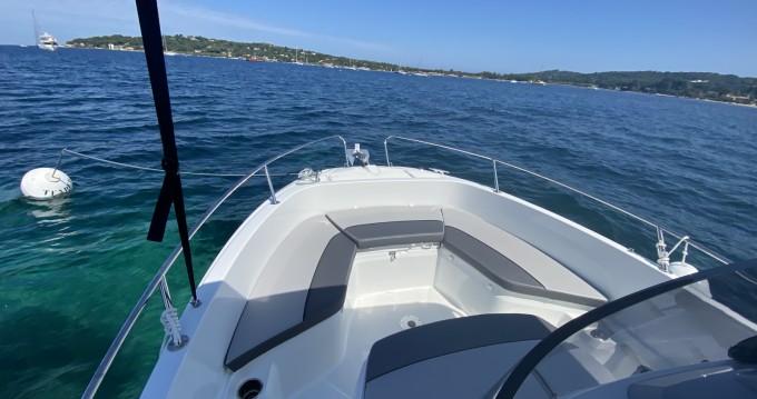 Alquiler de barcos Jeanneau Cap Camarat 7.5 Style enFréjus en Samboat