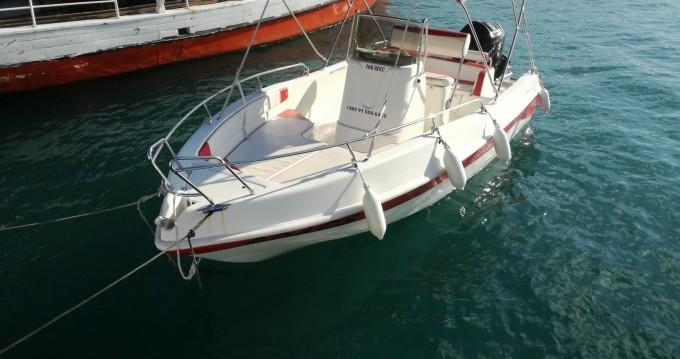 Alquiler Lancha Blumax con título de navegación