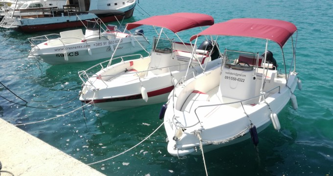 Alquiler de barcos Blumax 19 open enCres en Samboat