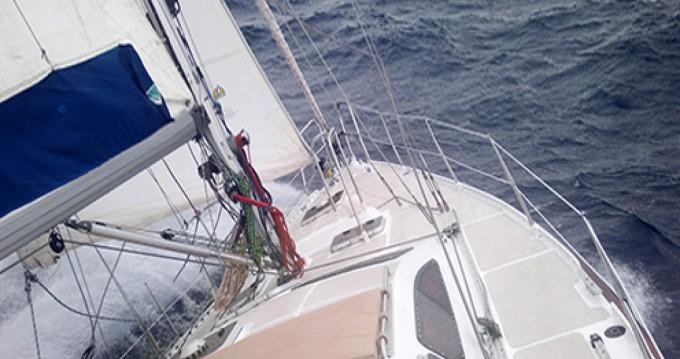 Alquiler de barcos Barcelona barato de Ovni 43