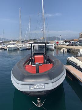 Alquiler Neumática Sea Water con título de navegación