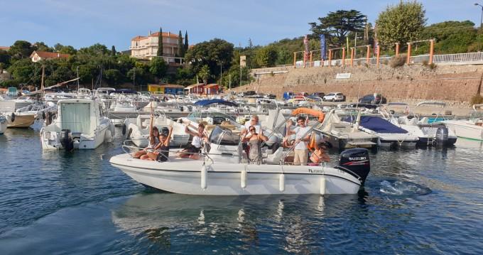 Alquiler de barcos Ranieri Shadow 22 enAgay en Samboat