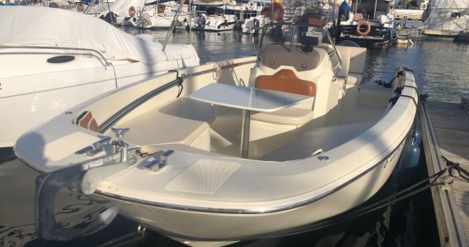 Alquiler de yate Alicante - Invictus  Invictus 190 FX en SamBoat